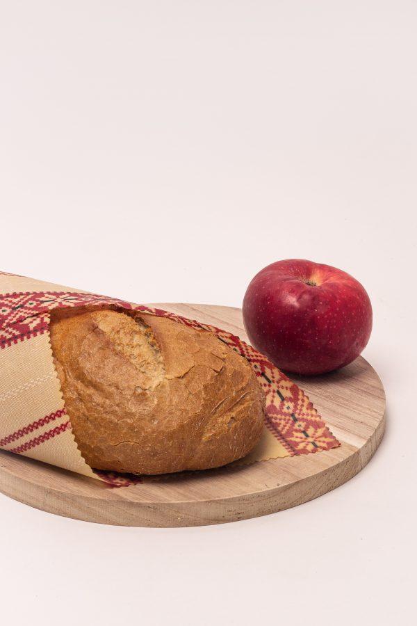 chlieb vo voskovanom obrúsku