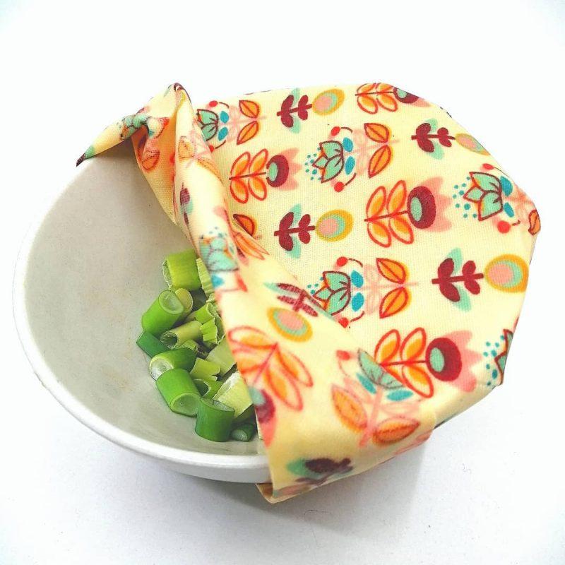 voskové obrúsoky na miske